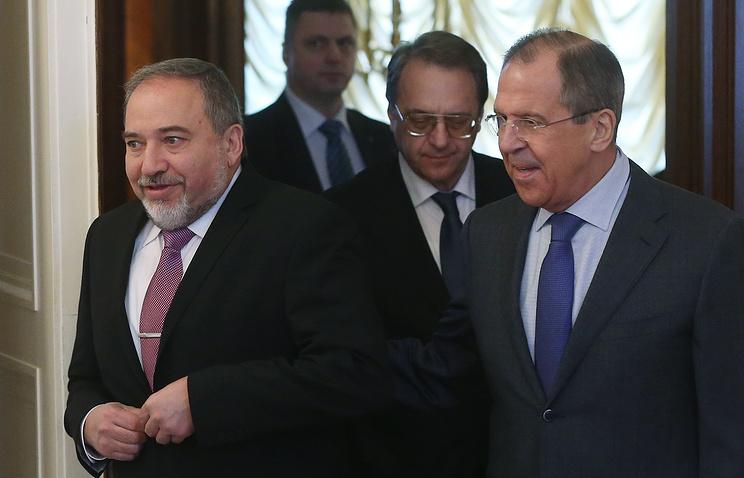 Авигдор Либерман и Сергей Лавров (слева направо на первом плане)