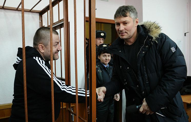 Евгений Маленкин и Евгений Ройзман (слева направо) в зале Верх-Исетского районного суда Екатеринбурга