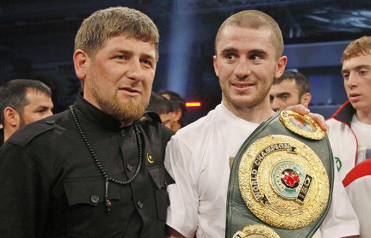 Российский боксер Заурбек Байсангуров и глава Чеченской республики Рамзан Кадыров, 2010 год