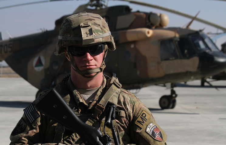 Американский солдат на военном аэродроме в провинции Герат, Афганистан