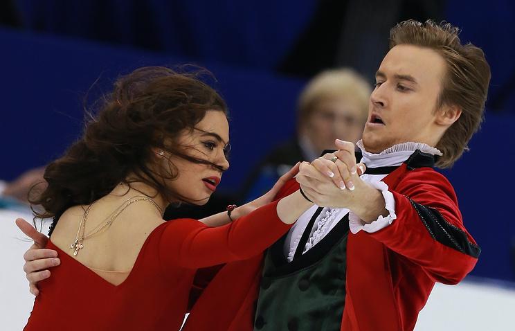 Российские фигуристы Елена Ильиных и Руслан Жиганшин во время выступления в короткой программе танцев на льду на ЧМ-2015