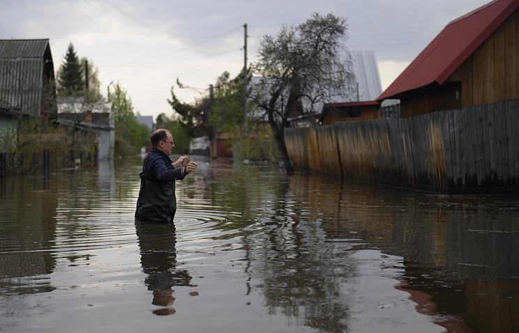 """Подтопленные дачные участки садоводческого товарищества """"Волна"""" в Новосибирске"""