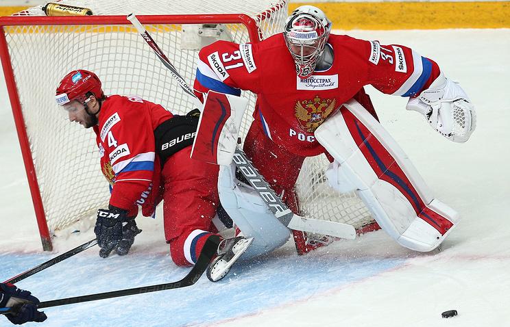 Михаил Григорьев (слева)