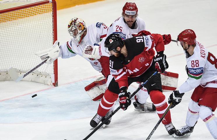 Эпизод из матча 1/2 финала чемпионата мира между сборными Канады и Чехии