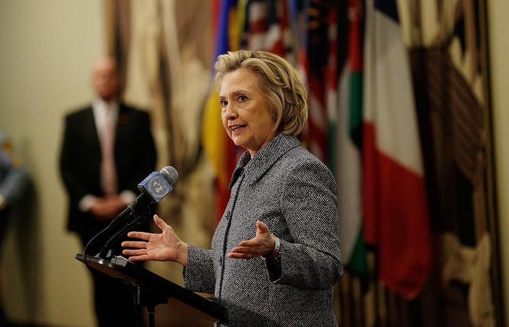Хиллари Клинтон прокомментировала использование личной почты для деловой переписки