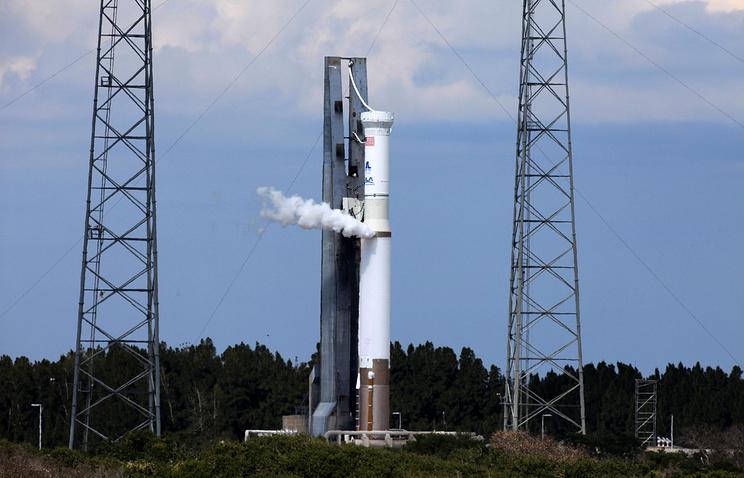 """Запуск ракеты-носителя """"Атлас-5"""" с космодромом NASA на мысе Канаверал"""