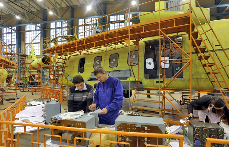 У вертолета Ми-38 в сборочном цехе Казанского вертолетного завода