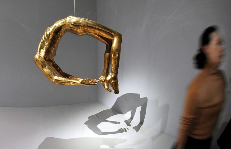 """Скульптура Луиз Буржуа """"Арка истерии"""""""