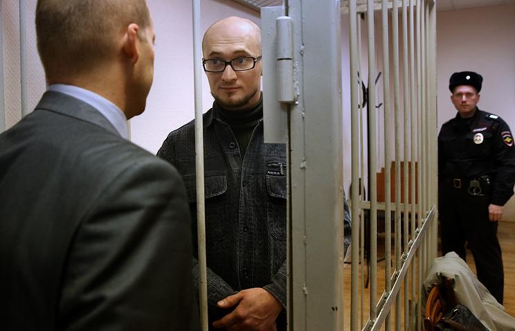 Олег Миронов (в центре)
