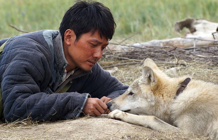 """Кадр из фильма """"Тотем волка"""""""