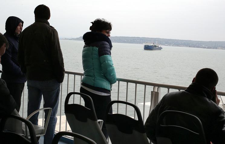 Во время паромной переправы через Керченский пролив