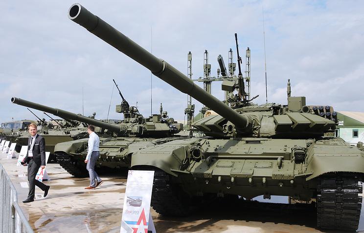 """Танк Т-72Б3 на выставке вооружений во время открытия Международного военно-технического форума """"Армия-2015"""""""