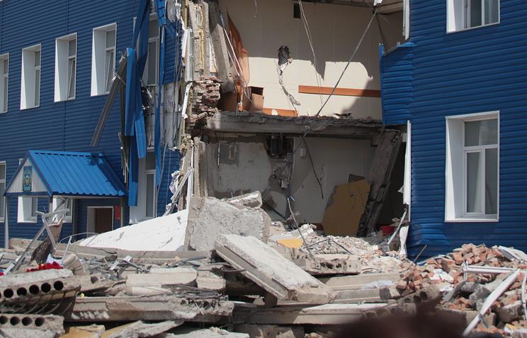 На месте обрушения здания в 242-м учебном центре ВДВ