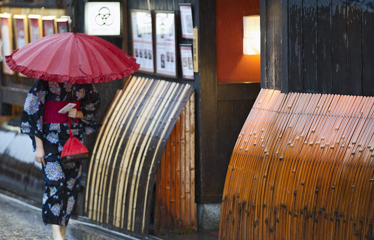 """Тайфун """"Нангка"""" достиг западного побережья Японии"""