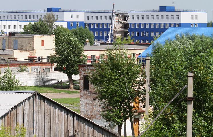 На месте обрушения здания в 242-м учебном центре ВДВ, 13 июля 2015 года