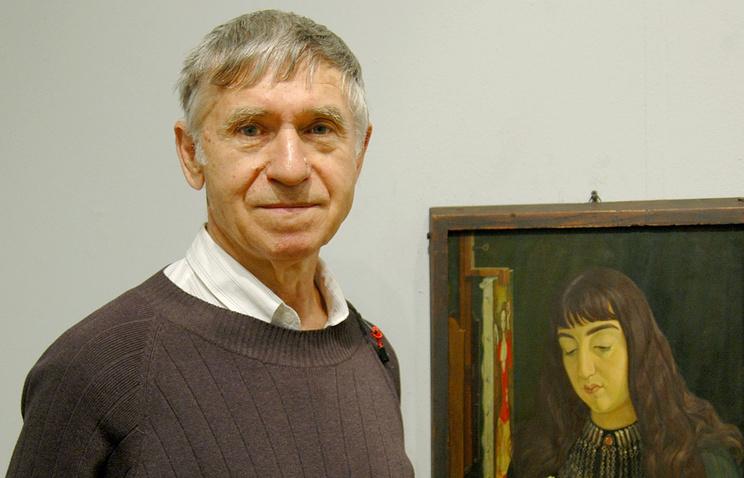 2004 год. Дмитрий Жилинский рядом с одной из своих работ во время празднования 25-летия ЦДХ