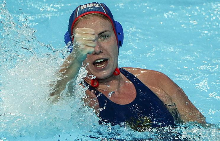Игрок сборной России Анна Тимофеева в матче предварительного раунда по водному поло среди женщин