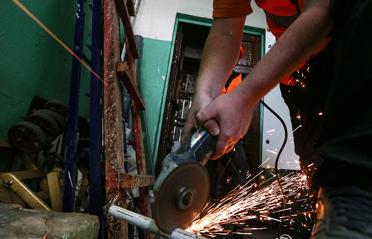 Ремонтные работы подъезда многоквартирного дома в рамках капитального ремонта жилых домов