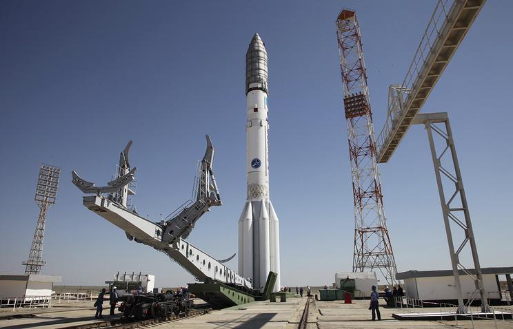 """Ракета """"Протон-М""""на космодроме Байконур"""