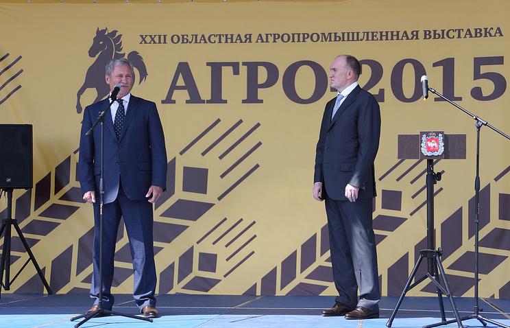 Губернатор Челябинской области Борис Дубровский (справа) и глава Курганской области Алексей Кокорин