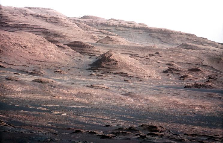 Фото с поверхности Марса - подножие горы Шарп