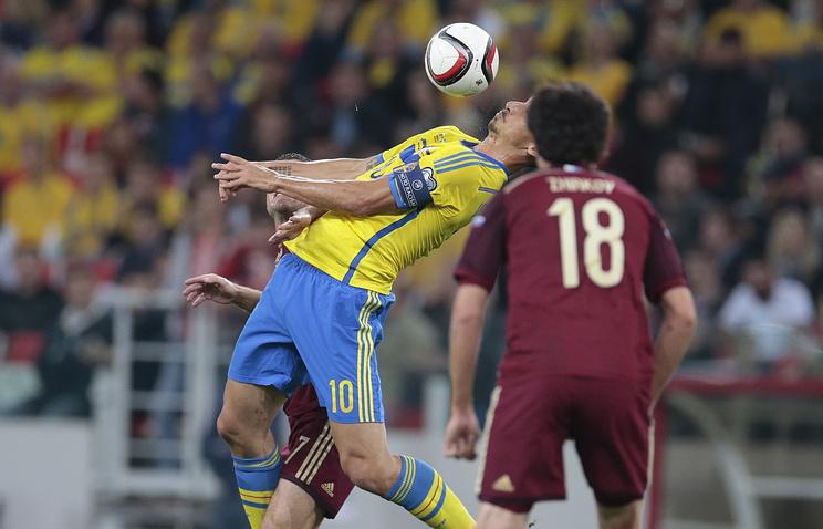 Златан Ибрагимович во время матча против сборной России