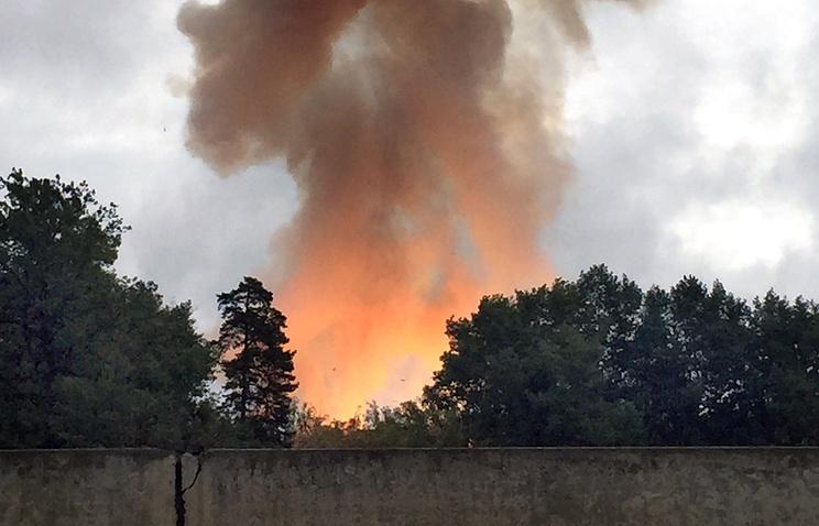 На территории порохового завода, где произошел взрыв грузовика с порохом