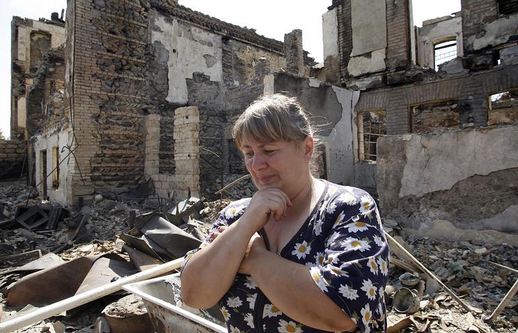 В одном из разрушенных районов Цхинвали, 2008 год