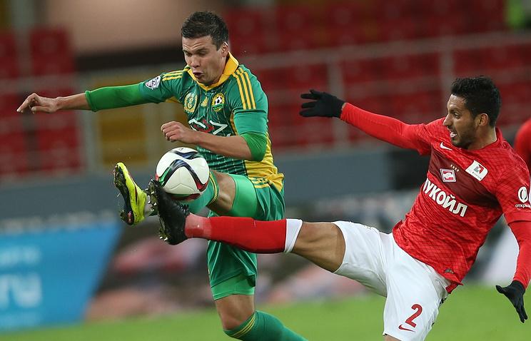 """Игрок """"Кубани"""" Сергей Ткачев (слева)"""