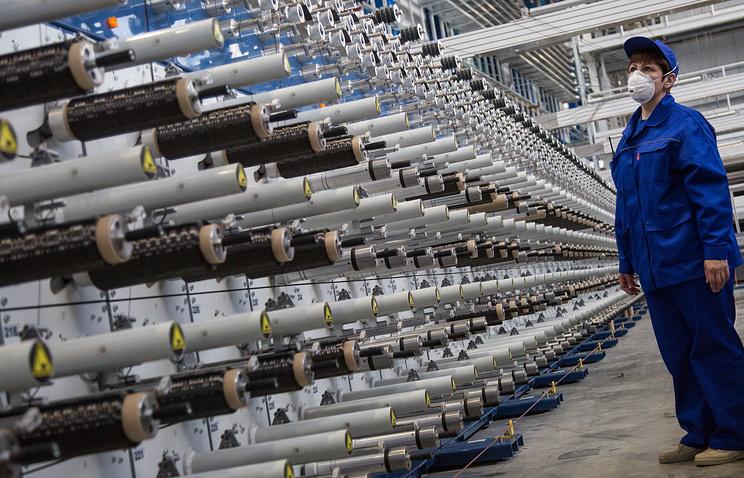 """Завод по переработке углеродного волокна """"Алабуга-Волокно"""". Углеродное волокно используется для производства композитных материалов в атомной промышленности, в нефтегазовой и космической индустриях"""