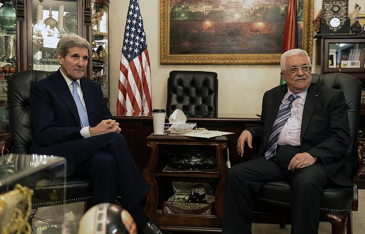 Госсекретарь США Джон Керри и президент Палестины Махмуд Аббас