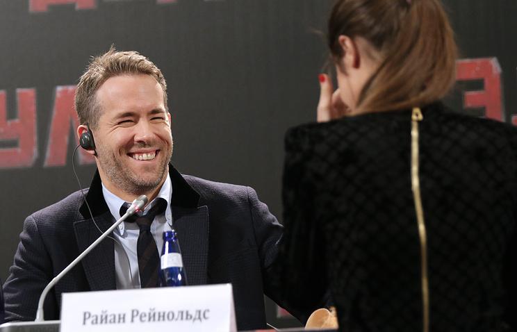 """Актер Райан Рейнольдс на пресс-конференции, посвященной выходу фильма режиссера Тима Миллера """"Дэдпул"""""""
