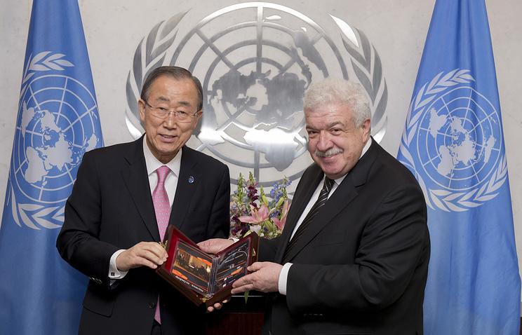 Генеральный секретарь ООН Пан Ги Мун и заместитель генерального директора информационного агентства ТАСС Михаил Гусман