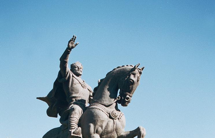 Памятник узбекскому полководцу Амиру Тимуру (Тамерлану) в центре Ташкента