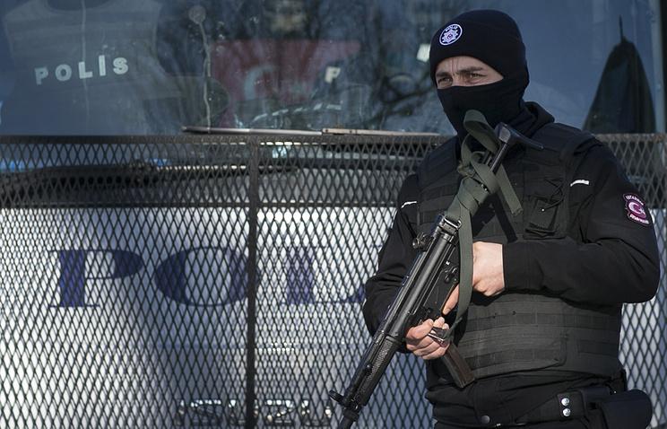 Мощный взрыв произошёл рядом с полицейским участком в пригороде Стамбула