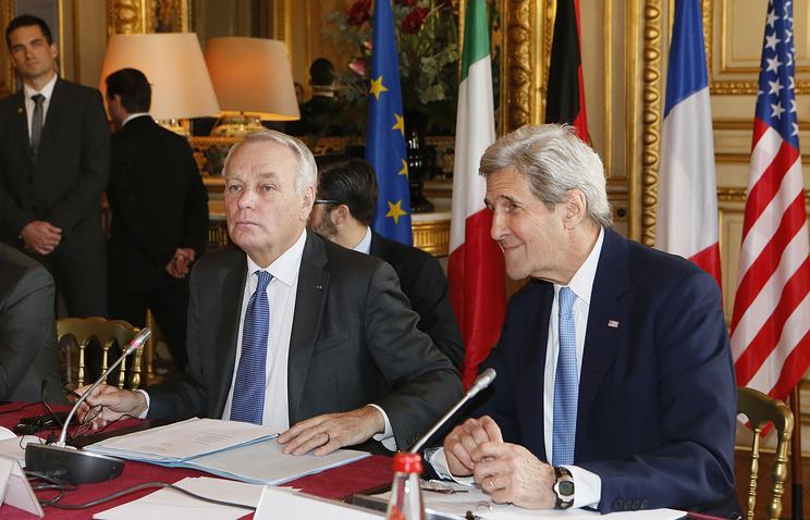 Министр иностранных дел Франции Жан-Марк Эйро и госсекретарь США Джон Керри