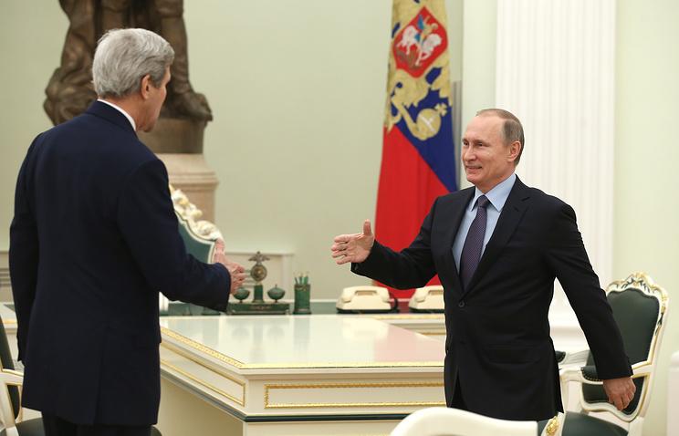 Президент России Владимир Путин и госсекретарь США Джон Керри, декабрь 2015 года