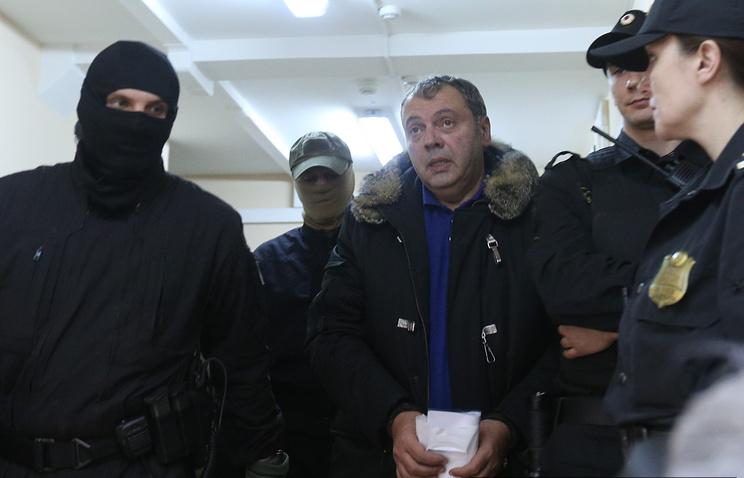 Борис Мазо (в центре)