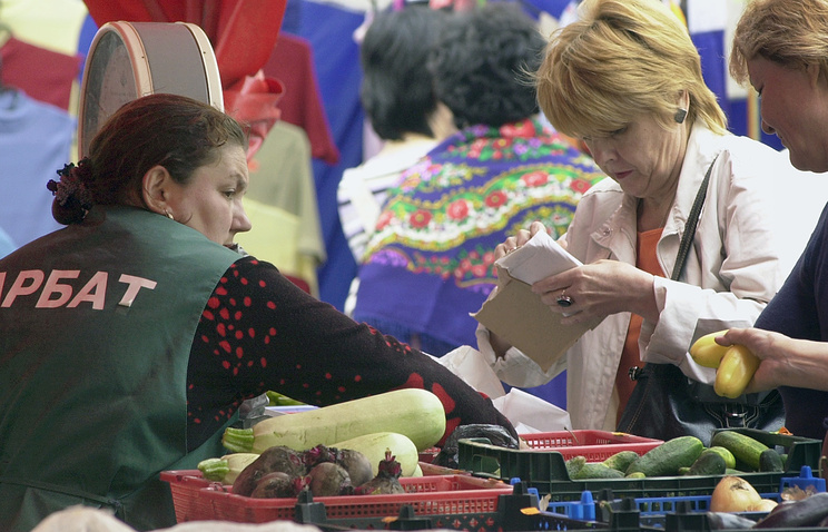 Россельхознадзор проведет контрольные закупки на рынках и ярмарках  Марат Абулхатин ИТАР ТАСС МОСКВА