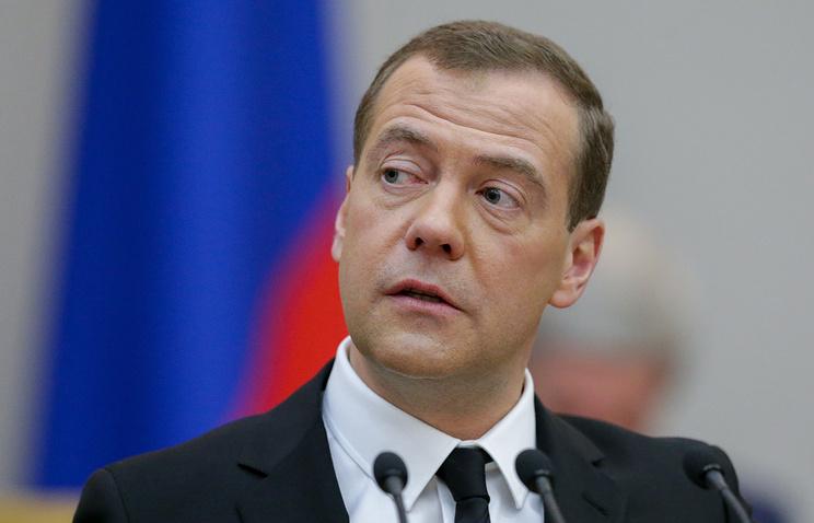 Медведев пытается извратить смысл санкций