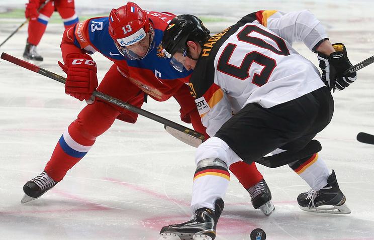 Капитан сборной России Павел Дацюк во время матча 1/4 финала чемпионата мира против команды Германии