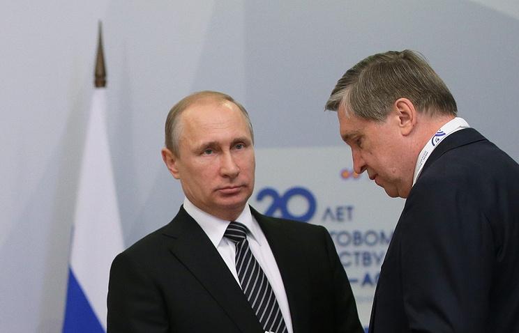 Владимир Путин и Юрий Ушаков