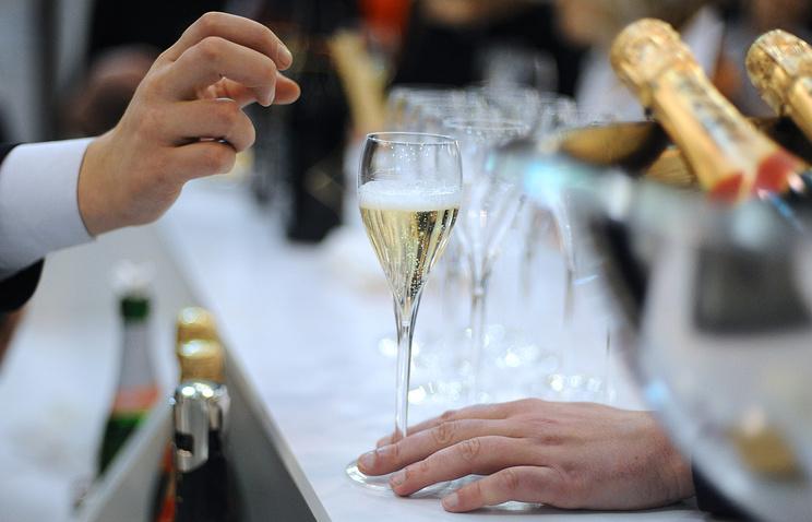Украинцы наНовый год могут остаться без киевского шампанского