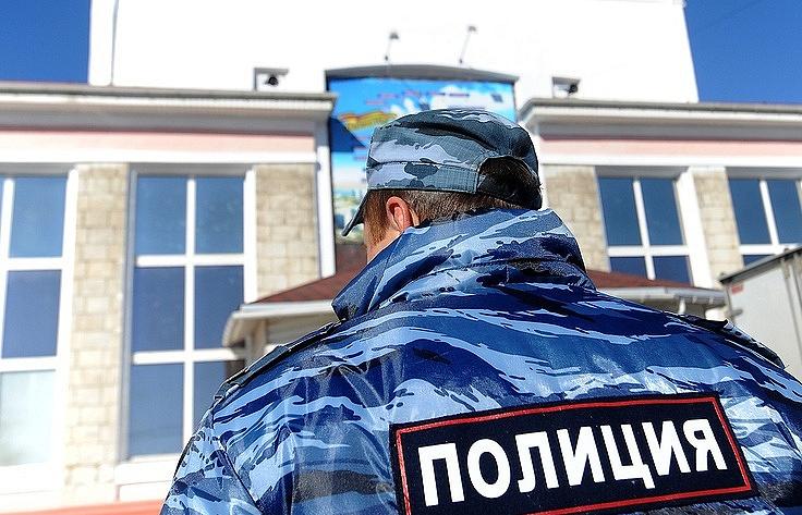 В столицеРФ словили преступников снабитым деньгами украденным портфелем