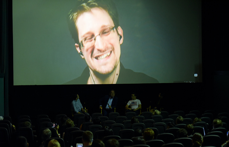 Сноуден, непокидая РФ, заработал нателеконференциях вСША $200 тыс.