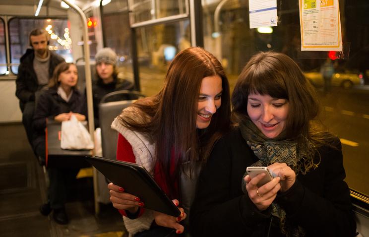 Беспроводным интернетом вназемном транспорте воспользовались около млн городских жителей