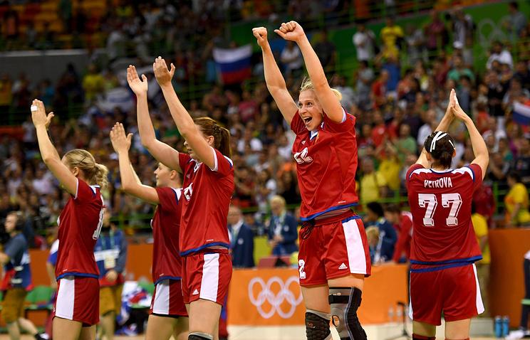Российские гандболистки после выхода в финал олимпийского турнира
