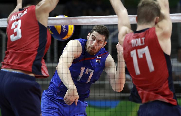 Максим Михайлов во время матча против сборной США
