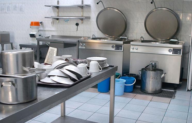 Неменее 20 лицеистов отправлены вбольницу сотравлением вХанты-Мансийске