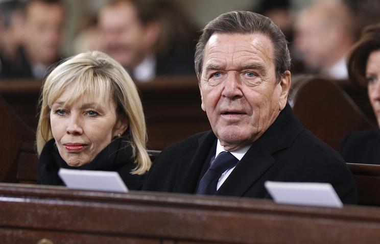 Экс-канцлер Германии Герхард Шредер подал объявление наразвод